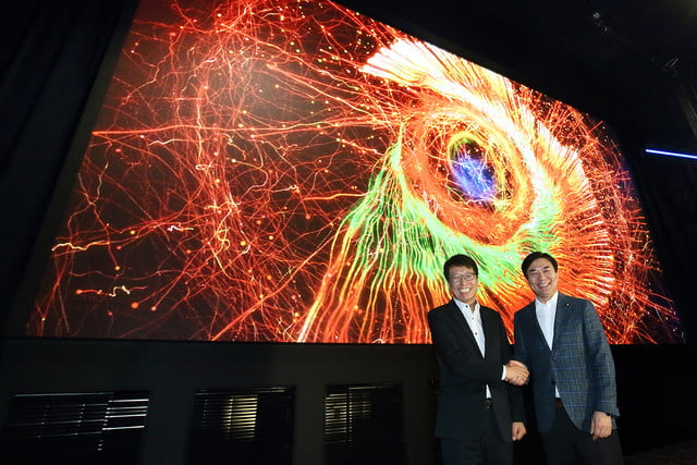 samsung-world-first-cinema-led-display-super-s-theater-2-640x427-c