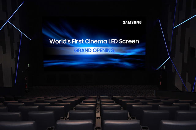 samsung-world-first-cinema-led-display-super-s-theater-grand-opening-straight-on-640x427-c